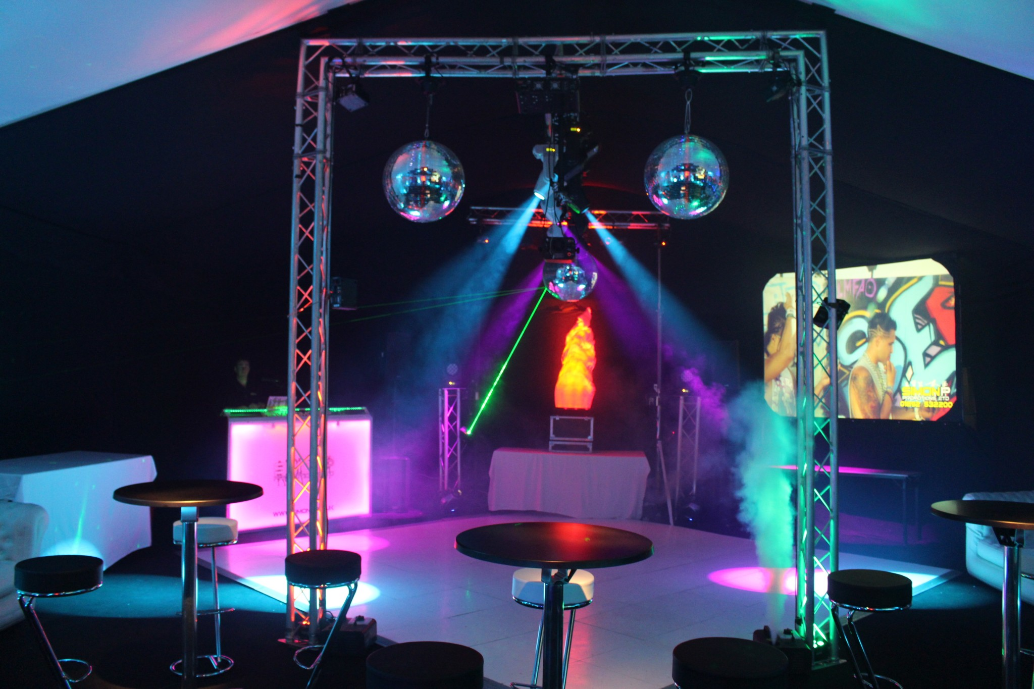 lighting equipment DJ hire for nightclub effect at a party