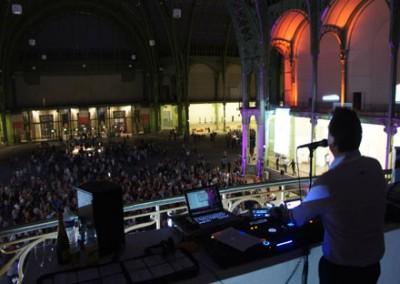 Video DJ Simon P performing in The Grand Palais des Champs-Élysées