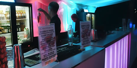Hire a mobile cocktail bar for a party in Sussex and Surrey